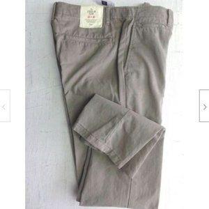 NWT Women's Beige Khaki Slim Leg Pants 30
